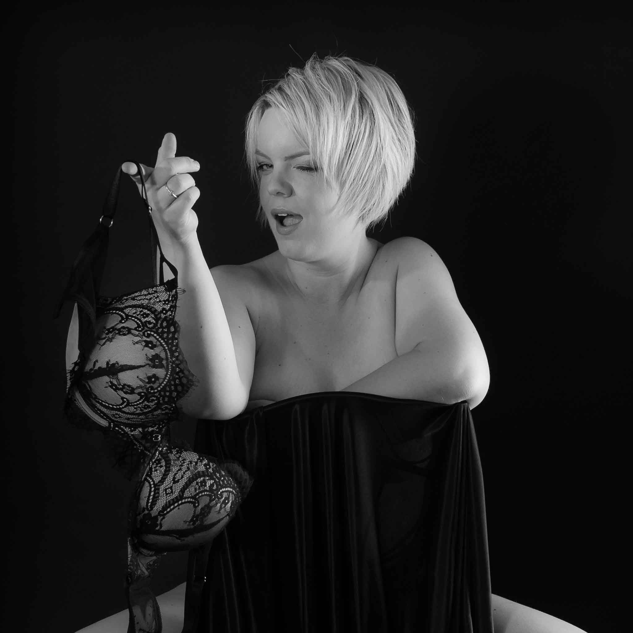 5 reasons to have a boudoir experience, lincolnshire boudoir photographer